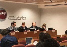 La AIReF avala las previsiones del escenario macroeconómico pero advierte de un impacto relevante en el crecimiento por la incertidumbre sobre Cataluña