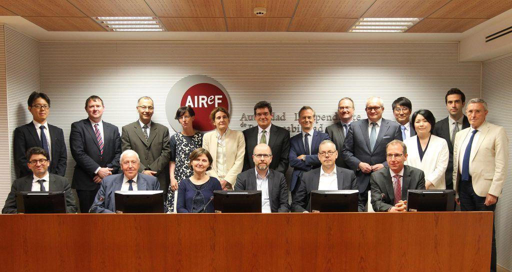 José Luis Escrivá, presidente de la AIReF, junto a los asesores de los principales Gobiernos