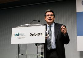 José Luis Escrivá takes part in a conference on General State Budgets organized by the APD and Deloitte