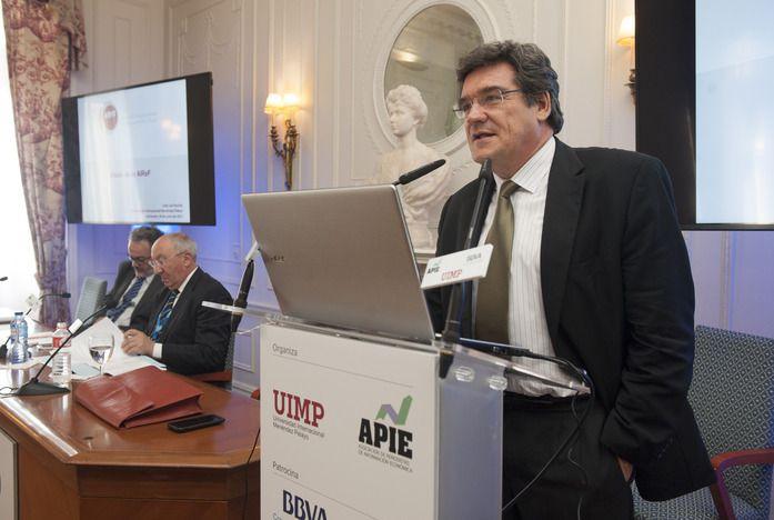 José Luis Escrivá, presidente de la AIReF, durante su discurso.