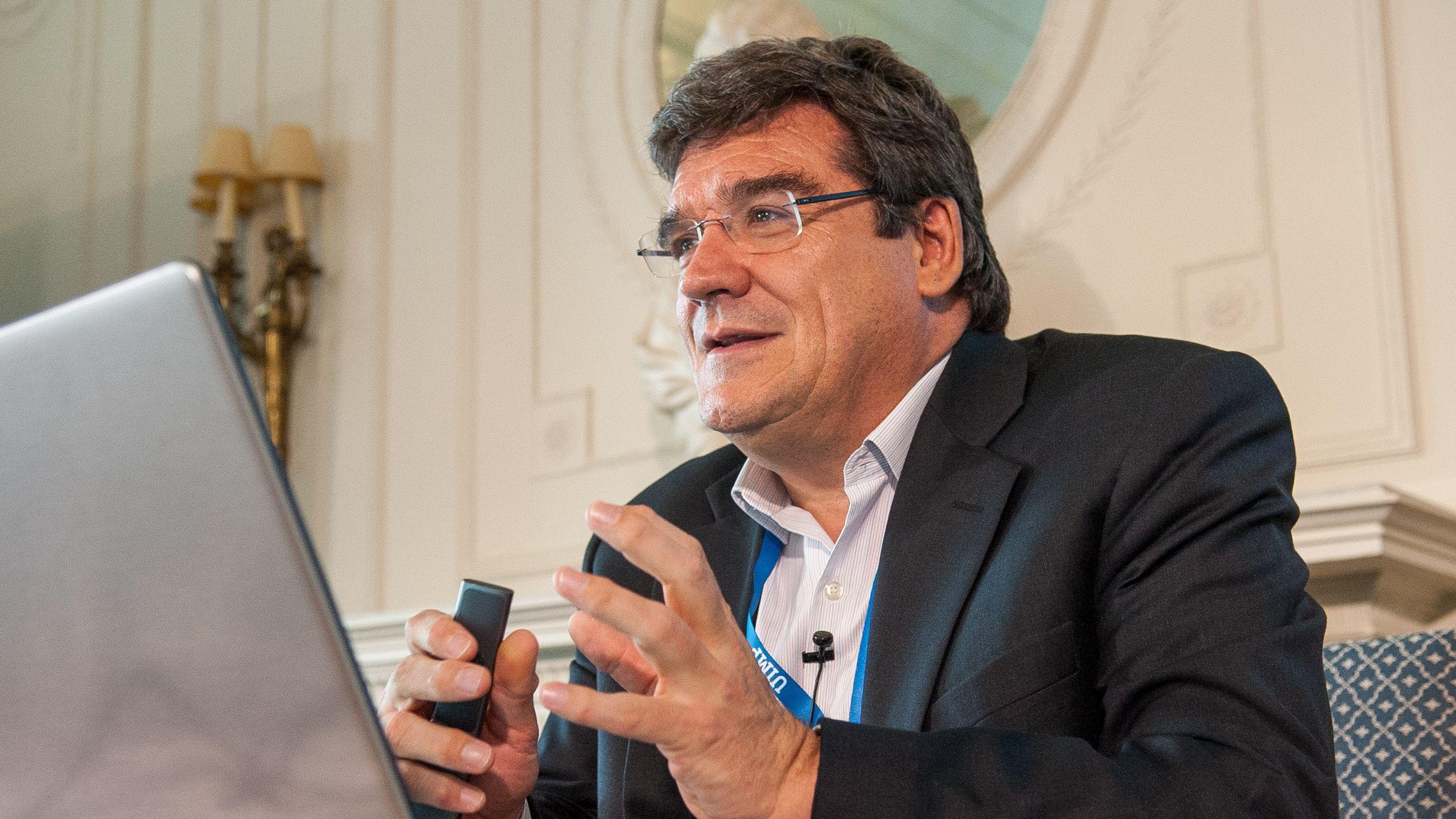 José Luis Escrivá, presidente de la AIReF, durante una conferencia