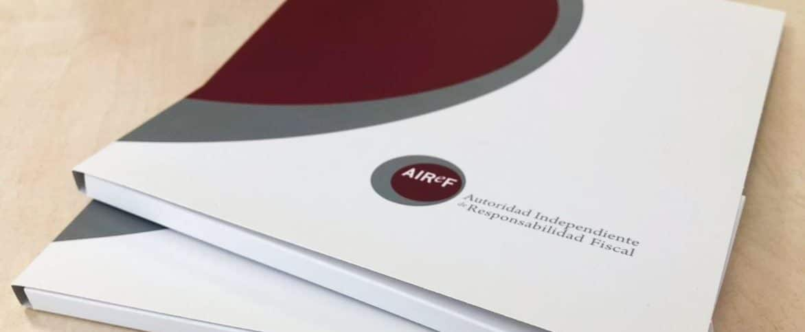Varios informes de la AIReF.