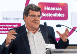 José Luis Escrivá imparte una conferencia en el curso 'Las finanzas sostenibles y su importancia en el futuro de la economía', organizado por UIMP y APIE