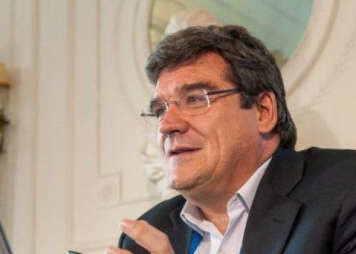 José Luis Escrivá imparte una conferencia en la Cámara de Comercio de Oviedo sobre las perspectivas a medio plazo de la economía española