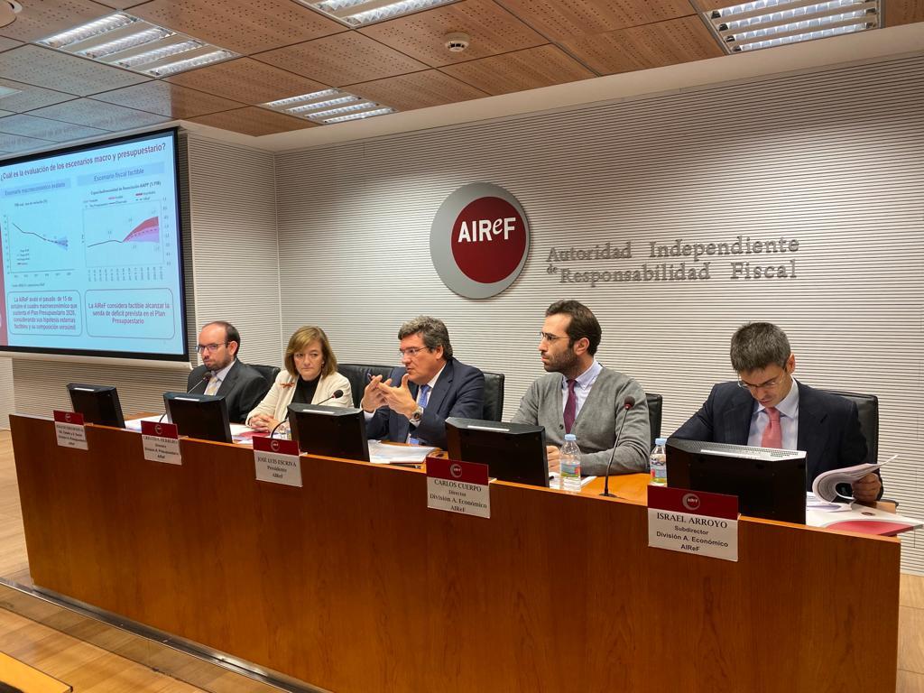 Reunión informativa en AIReF