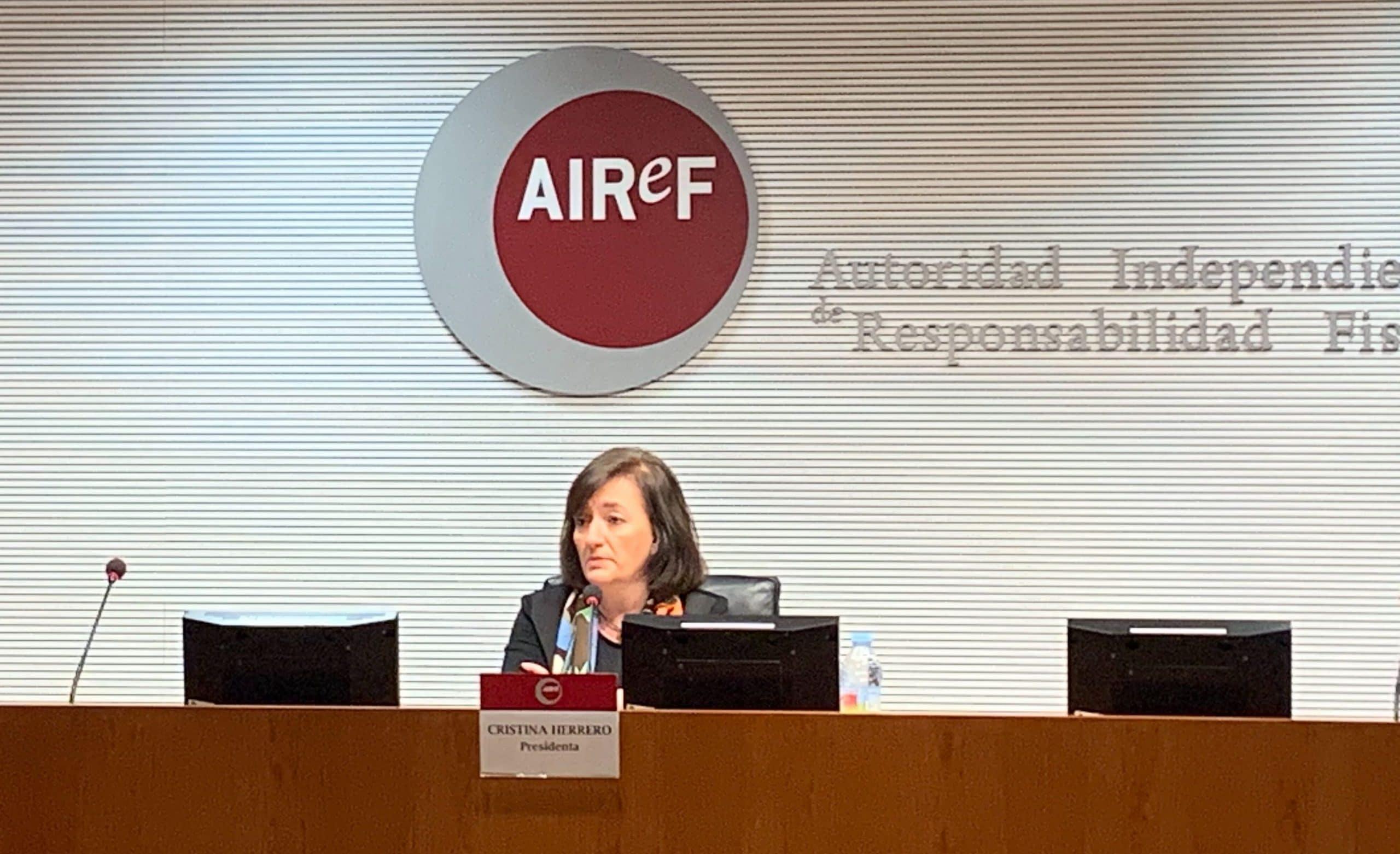 Cristina Herrero presenta el informe APE en lal AIREF