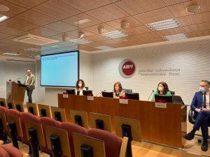 rueda de prensa en la airef sobre el estudio de incentivos a la contratacion del spending review